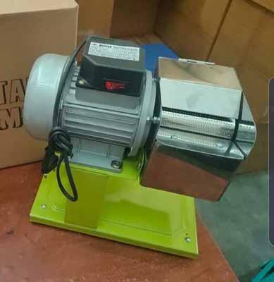 mesin parut listrik
